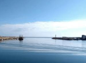 Lavori di protezione del porto commerciale di Gabes (Tunisia)