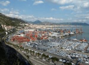 Progettazione esecutiva ed esecuzione dei lavori di consolidamento del molo Trapezio Levante e della testata del molo Manfredi del Porto commerciale di Salerno