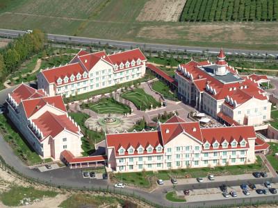 Realizzazione opere civili, finitura e impianti tecnologici di un albergo a Castelnuovo del Garda (VR)